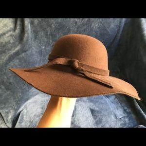 Bohemian floppy wide-brimmed felt hat